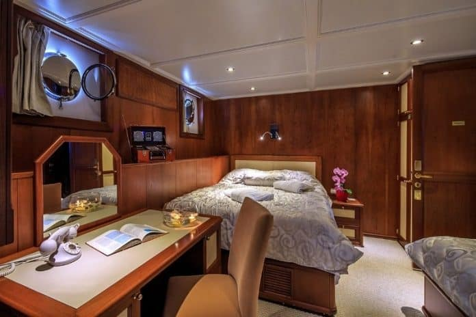 Motor Yacht Donna Del Mare cabin