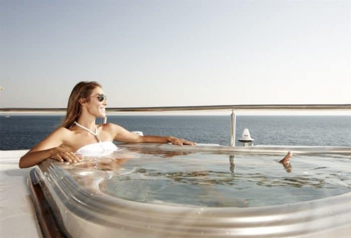 E&E - Motor Yacht