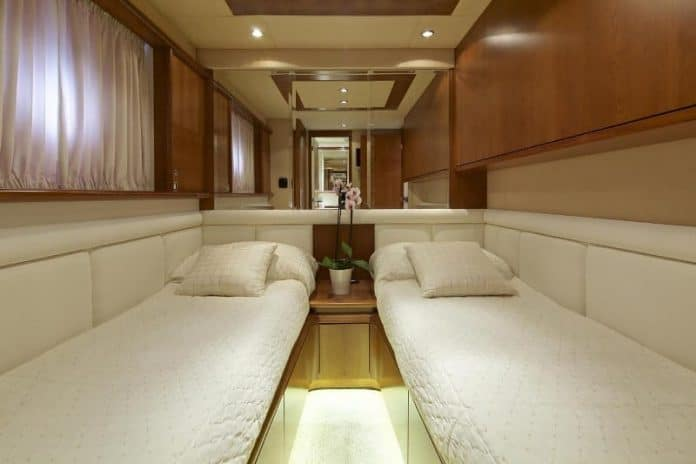 IRIS - Motor Yacht