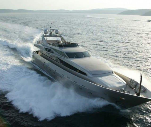 LUMAR - Motor Yacht
