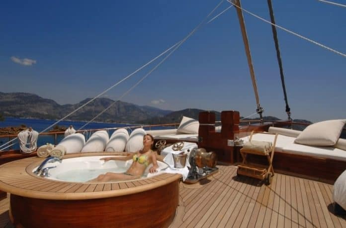 Gulet Mare Nostrum fore deck & hot tub