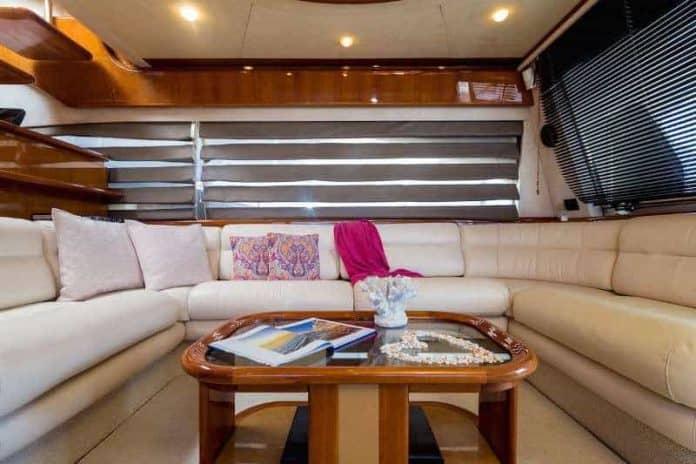 Motor Yacht Meli saloon