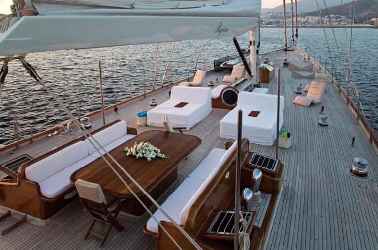 REGINA - Sailing Yacht