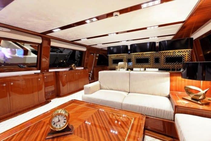GLORIOUS - Sailing Yacht