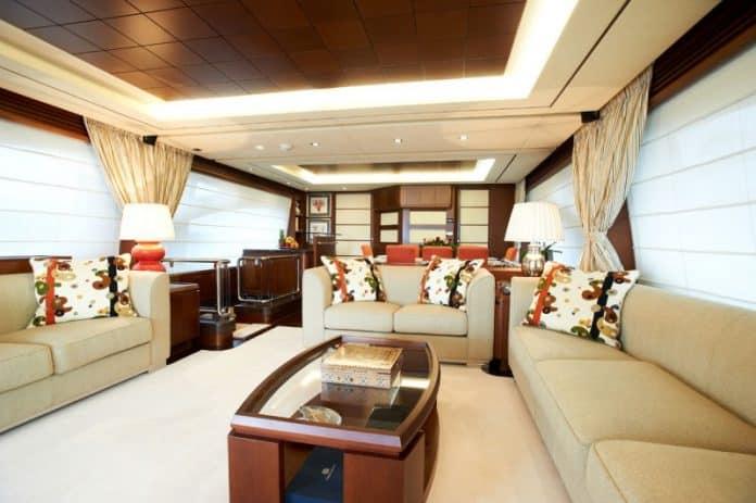 Motor Yacht Jester Saloon