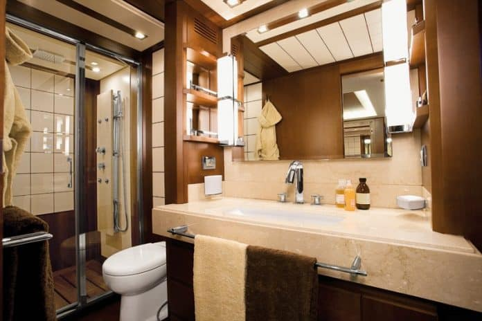 Motor Yacht Jester Bathroom