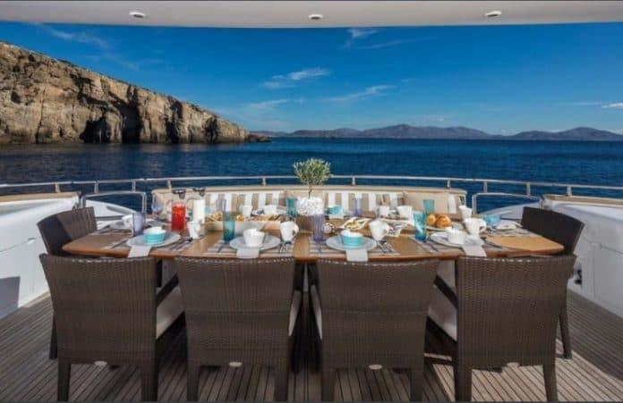Motor Yacht Paris A Sun Deck