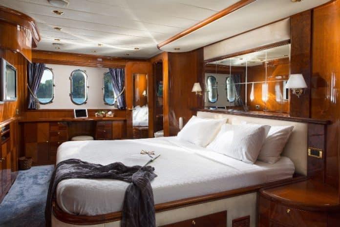 NITTA V - Motor Yacht