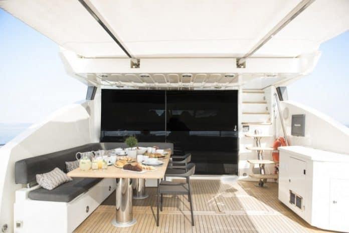 BLADE 6 - Motor Yacht