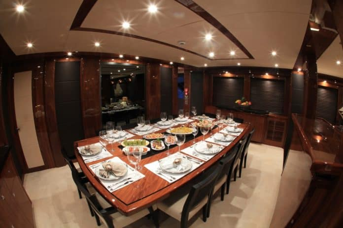 Motor Yacht Barracuda Red Sea Dining room