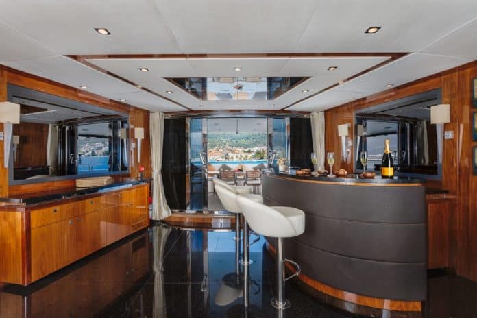 Motor Yacht Barracuda Red Sea Bar