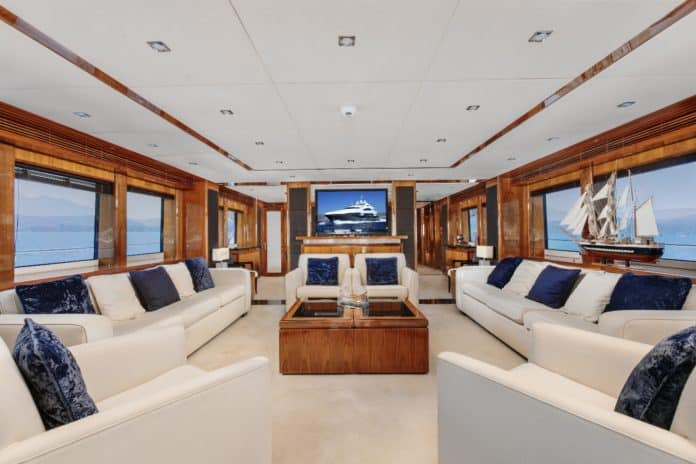 Motor Yacht Barracuda Red Sea Saloon