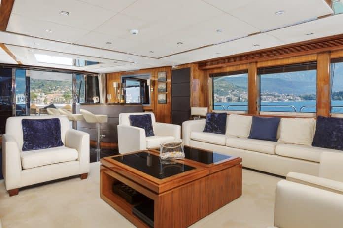 Motor Yacht Barracuda Red Sea Saloon