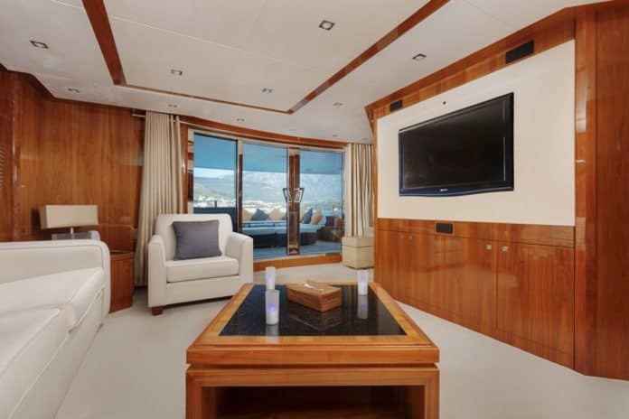 Motor Yacht Barracuda Red Sea Upper Saloon