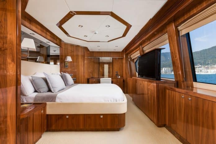 Motor Yacht Barracuda Red Sea VIP Cabin