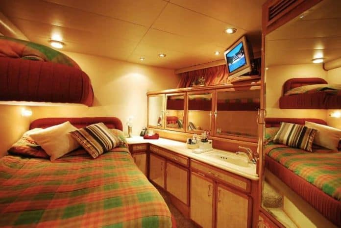 Motor Yacht Forty Love cabin