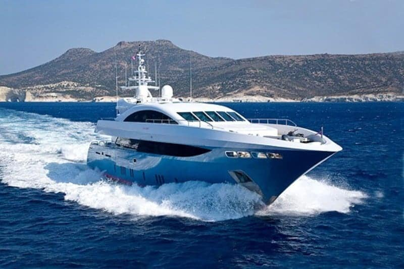 Motor Yacht Barents Side View