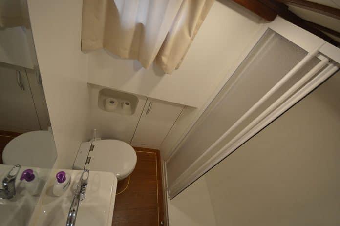 Gulet Anka bathroom