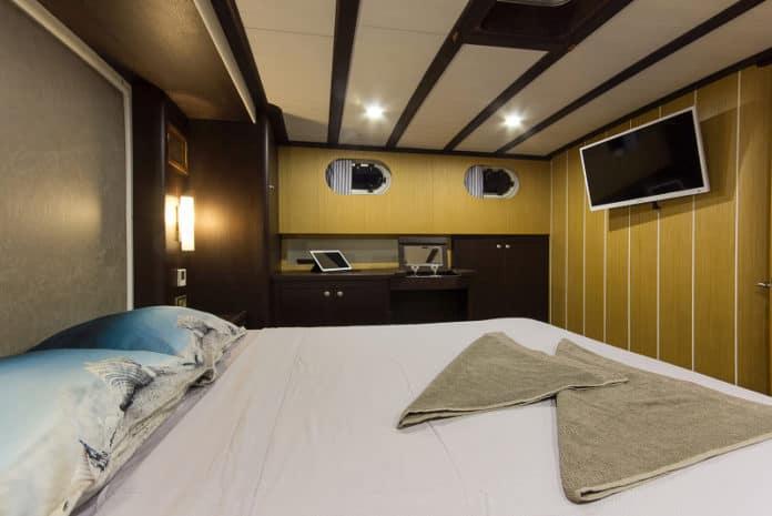 Gulet Azra Can master cabin