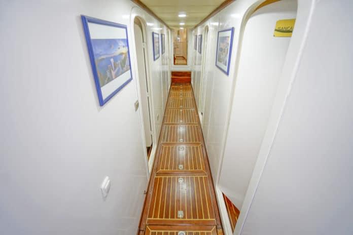 Gulet Golden Glory hallway