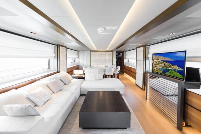 Motor Yacht Lara Saloon