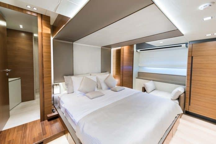 Motor Yacht Lara VIP Cabin