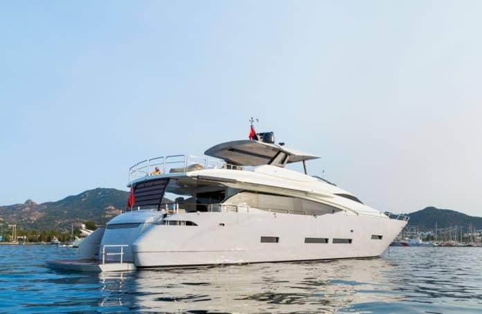 Motor Yacht Lara rear view