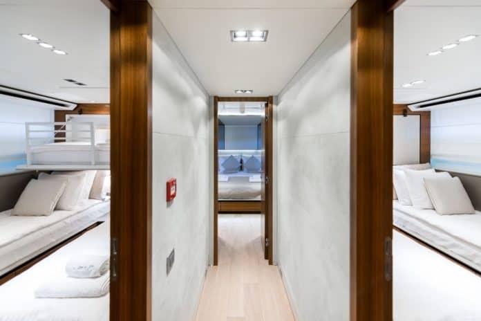 Motor Yacht Lara corridor
