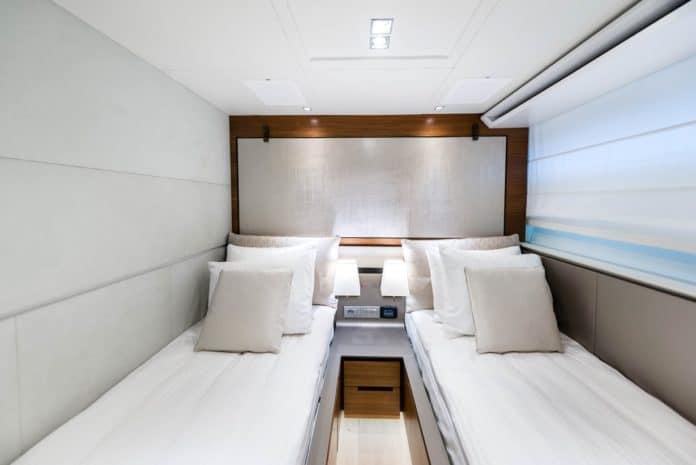 Motor Yacht Lara twin cabin