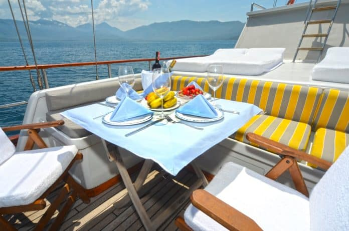 Gulet White Swan fore deck dining