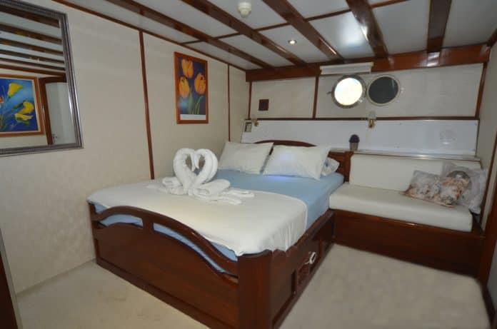 Gulet White Swan double cabin