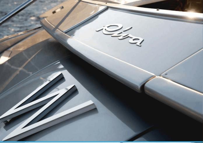 Motor Yacht W Stern